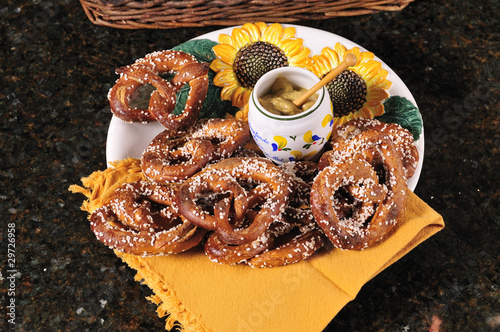 pretzels with mustard dip