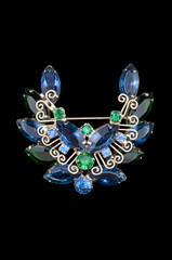 blue and green vintage wreath brooch