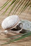 éponge exfoliant savon naturel artisanal sur fond zen poster