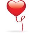 Un ballon en forme de coeur flottant dans les airs