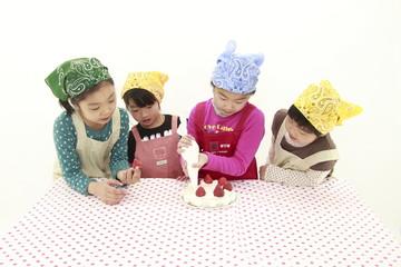 子供・ケーキ