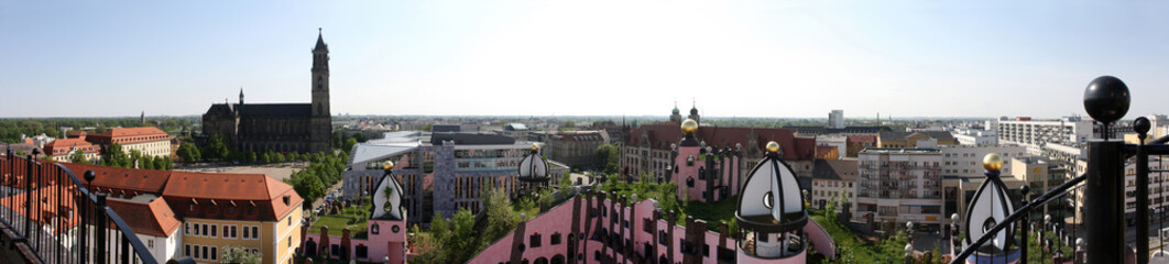 Magdeburger Domplatz vom Hundertwasserhaus