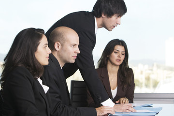 Verhandlung unter Businessteams