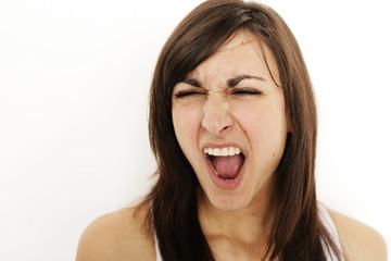Portrait einer schreienden  Frau