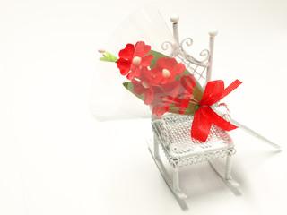 椅子と花束