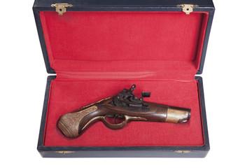pistola antigua de pólvora negra