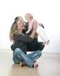 parents modernes avec bébé