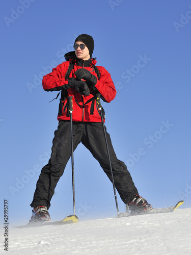 Jung boy on the Ski