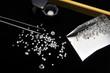 beim Juwelier, Diamanten, Diamantlupe und Pinzette - 30011507