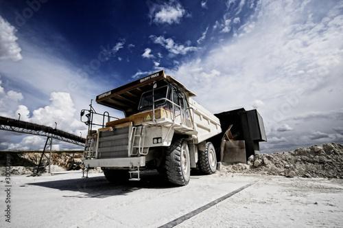Fototapeta glina - ciężarówka - Ciężarówka