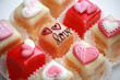 Petit fours Love