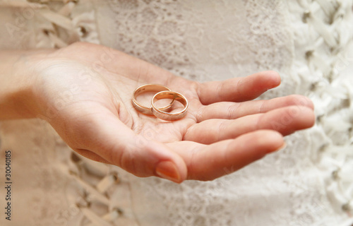 Weddings rings on woman's hand