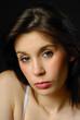 portrait d'une belle femme brune 24