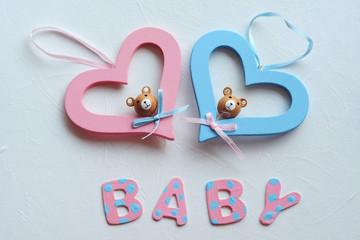 baby, coeurs rose et bleu