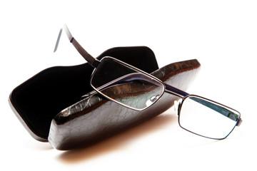 Brille mit Brillenetui 139