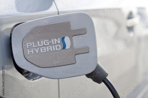 E-Auto / Hybridauto beim Laden
