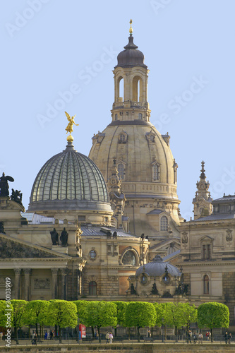 dresden frauenkirche mit brühlscher terrasse - 30103909