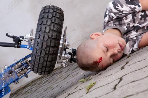 Leinwandbild Motiv Boy after accident