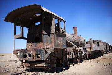 vecchio treno abbandonato