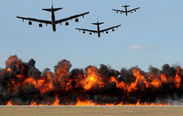 Heavy bombers attacking
