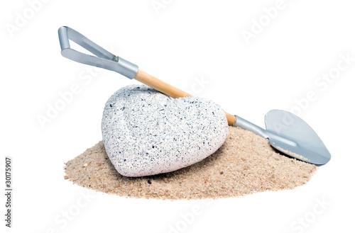 Steinherz mit Schaufel