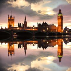 Big Ben w godzinach wieczornych, Londyn, Wielka Brytania