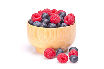 Blueberries and raspberries in a bowl