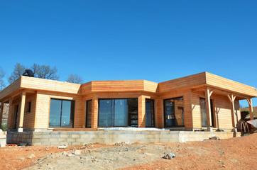 Maison en bois en chantier