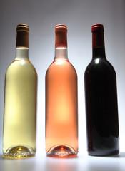 trois bouteilles