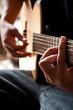 play guitar G chord