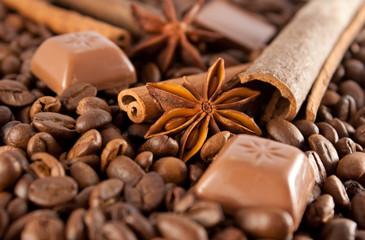 Anyż, cynamon, czekolada i ziarna kawy