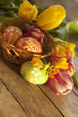 Easter eggs and tilips