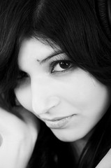 Black and white portrait of a beatiful young woman