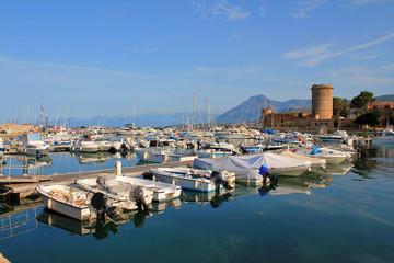 Porto di barche a San Nicola l'Arena - Sicilia