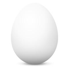 Weißes Hühnerei auf weißem Hintergrund