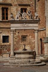 Montepulciano,Pozzo Dei Grifi e Dei Leoni