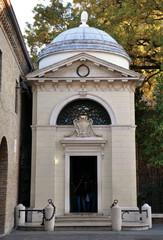 Sepulchre of Dante Alighieri, Ravenna