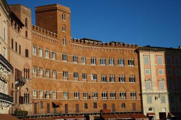 Siena,Piazza del Campo, palazzi