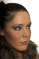 Frau jung attrtaktiv mit Pelz closeup
