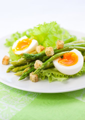salad with asparagus
