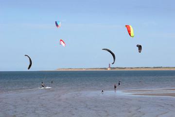 kitesurfers at Brouersdam