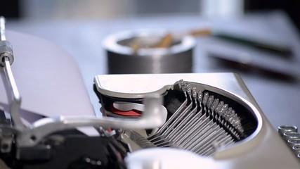 macchina da scrivere meccanica