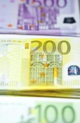 einhundert zweihundert fünfhundert euroscheine