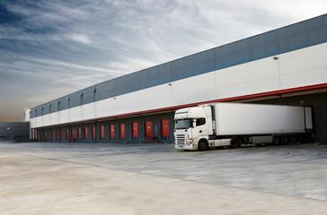 muelles de carga y camion
