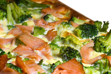 Quiche with salmon and brocoli