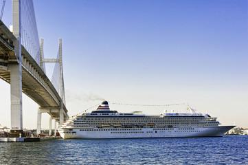 ベイブリッジ 大型客船 横浜