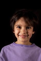 viso di bambina sorridente