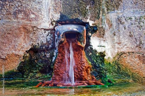 Leinwanddruck Bild Source d'eau chaude