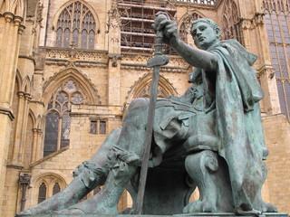 Statue, cathédrale