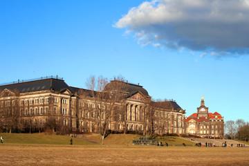 Finanzministerium und Sächsische Staatskanzlei